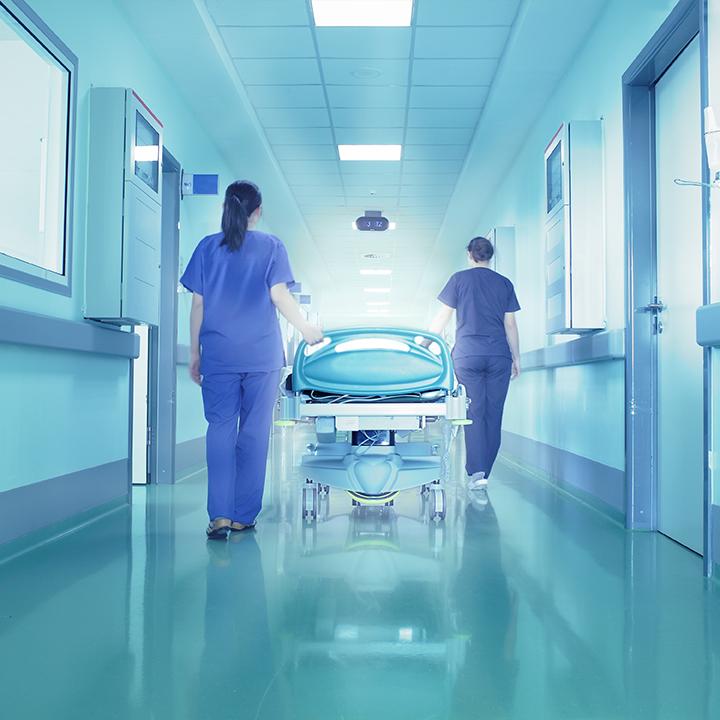 患者の生死に関わる看護師の体験談